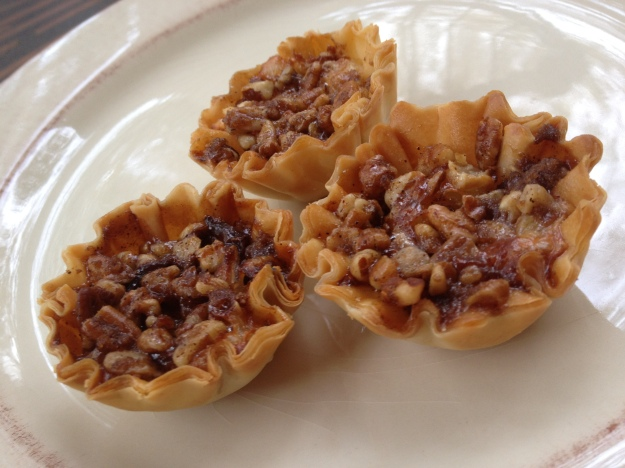 pecan_honey_brie_bites_homemakerchic.com
