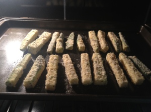 baked-gluten-free-zucchini-fries-homemakerchic.com