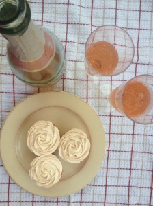 champagne-and-cupcakes