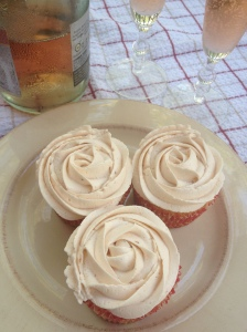 pink-champagne-strawberry-cupcakes