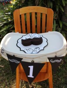 boy-first-birthday-mustache-cake