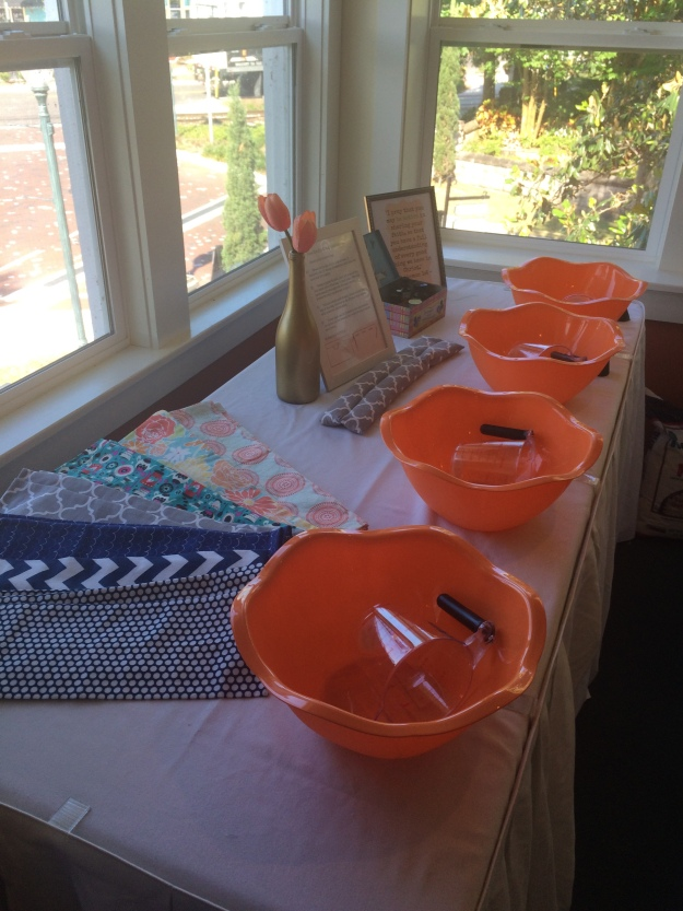 how-to-set-up-a-craft-station-for-ladies-retreat